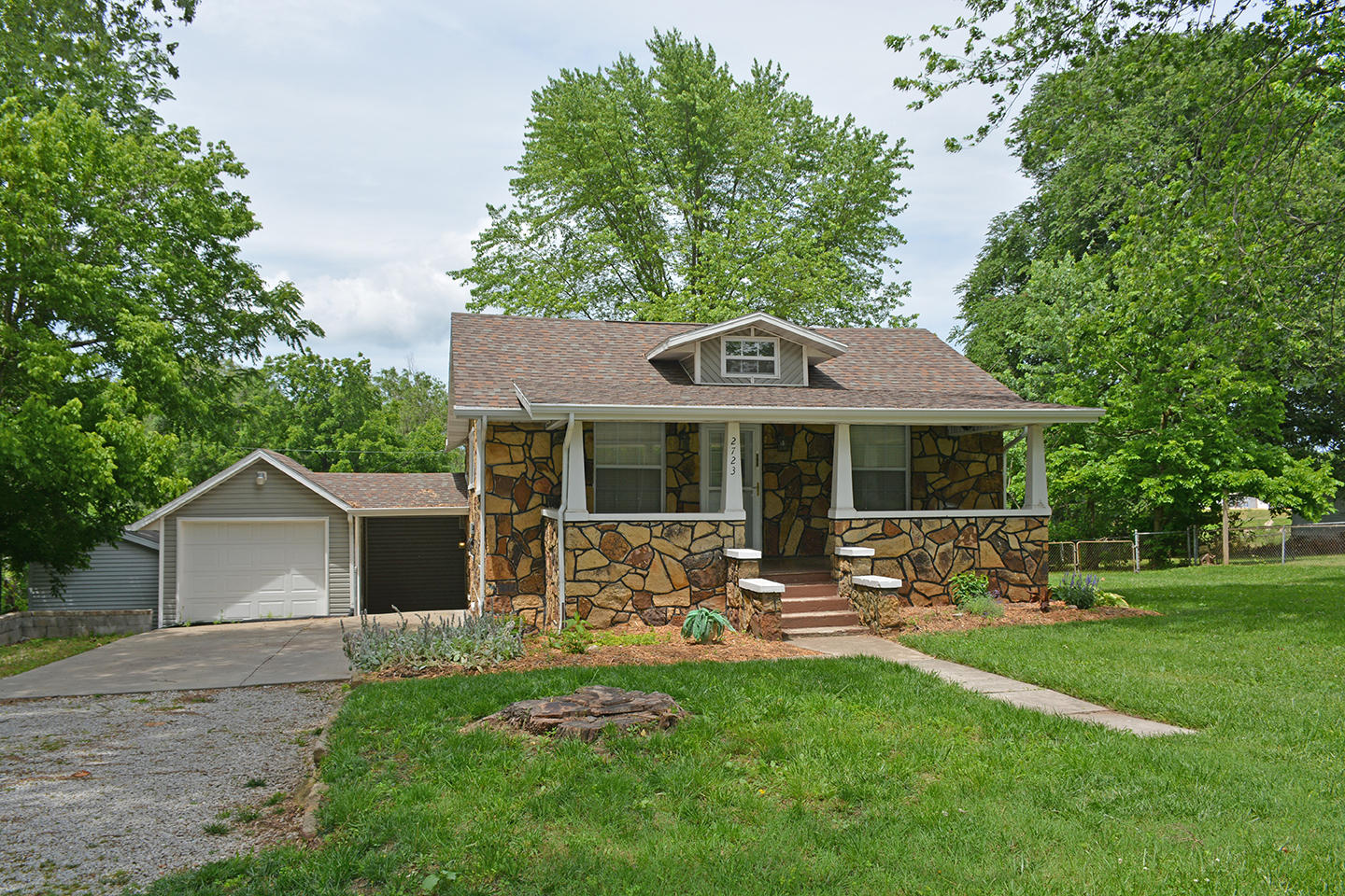 2723 West Olive Street Springfield, MO 65802