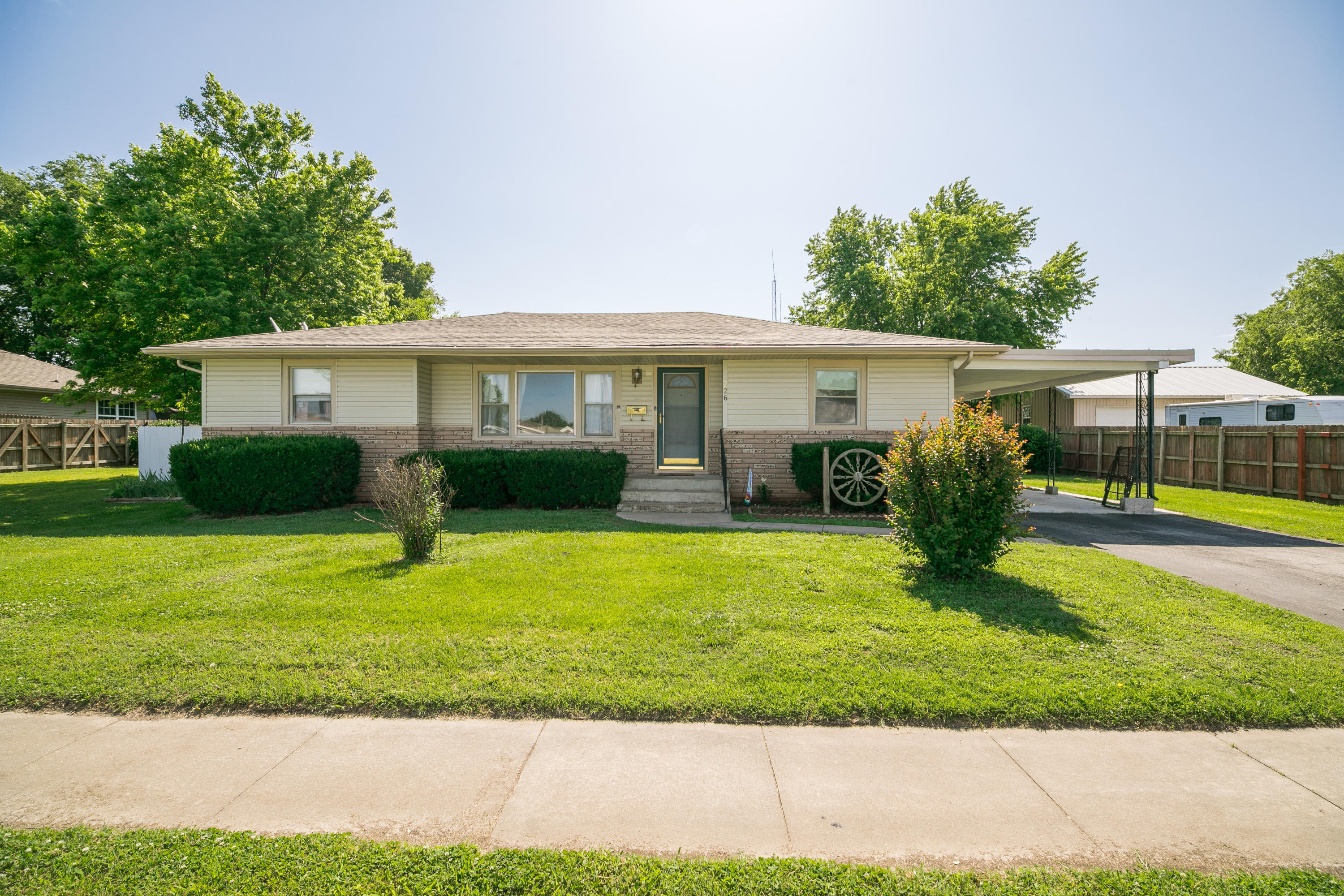 226 North Pine Avenue Republic, MO 65738