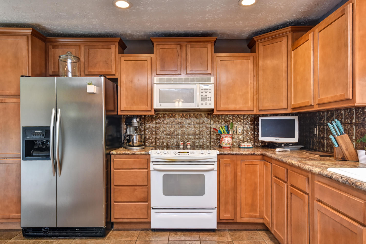 427 South Orchard Crest Avenue Springfield, MO 65802
