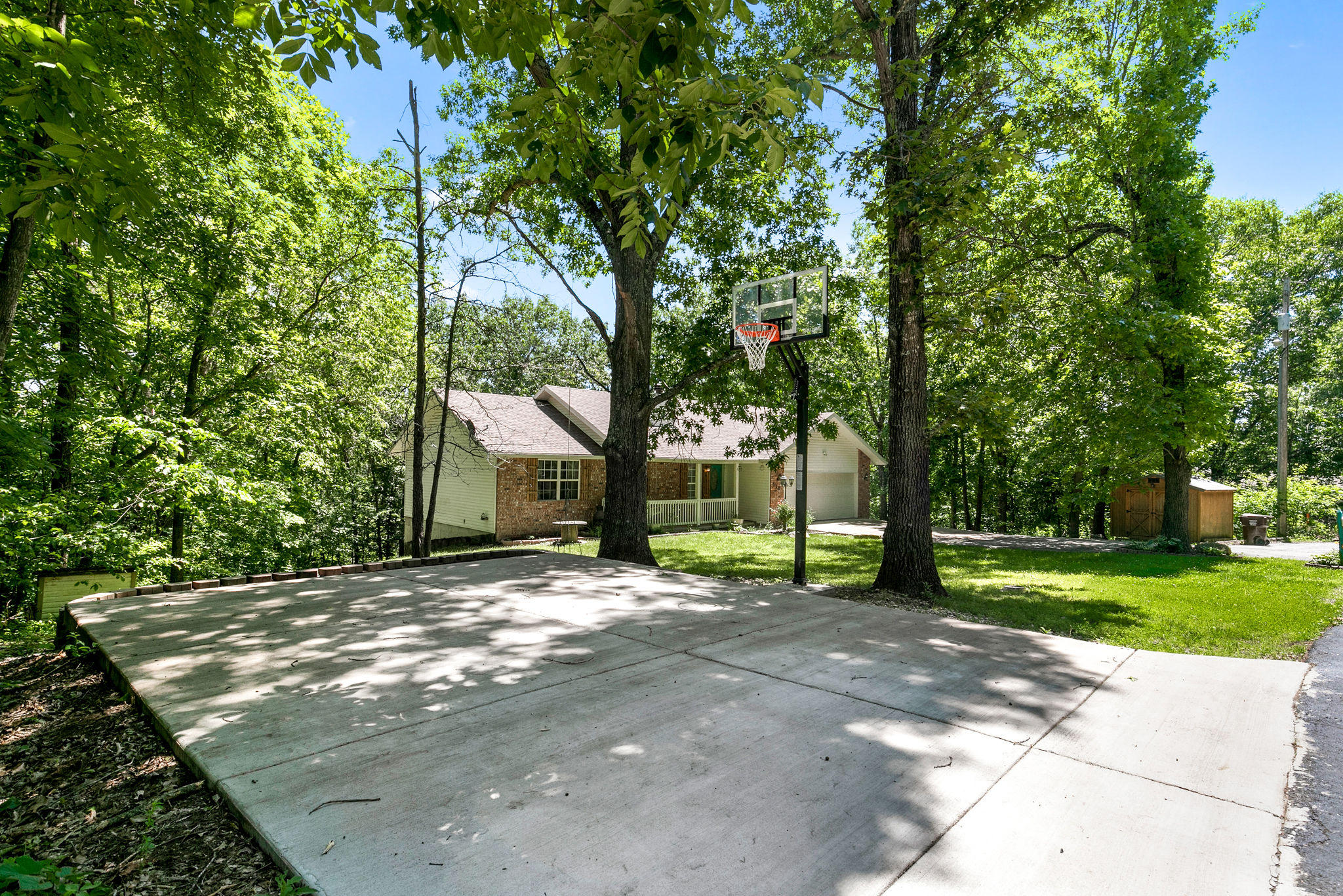 110 Tower Road Highlandville, MO 65669