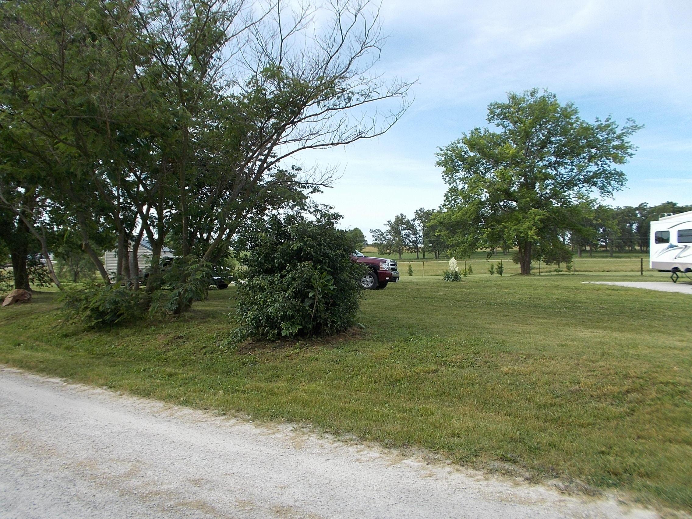 28 Hogeye Loop Elkland, MO 65644