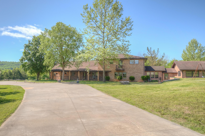 25198 Farm Road Aurora, MO 65605