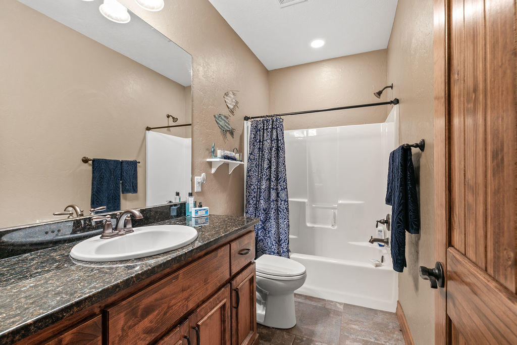 288 Woodland Park Drive Clever, MO 65631