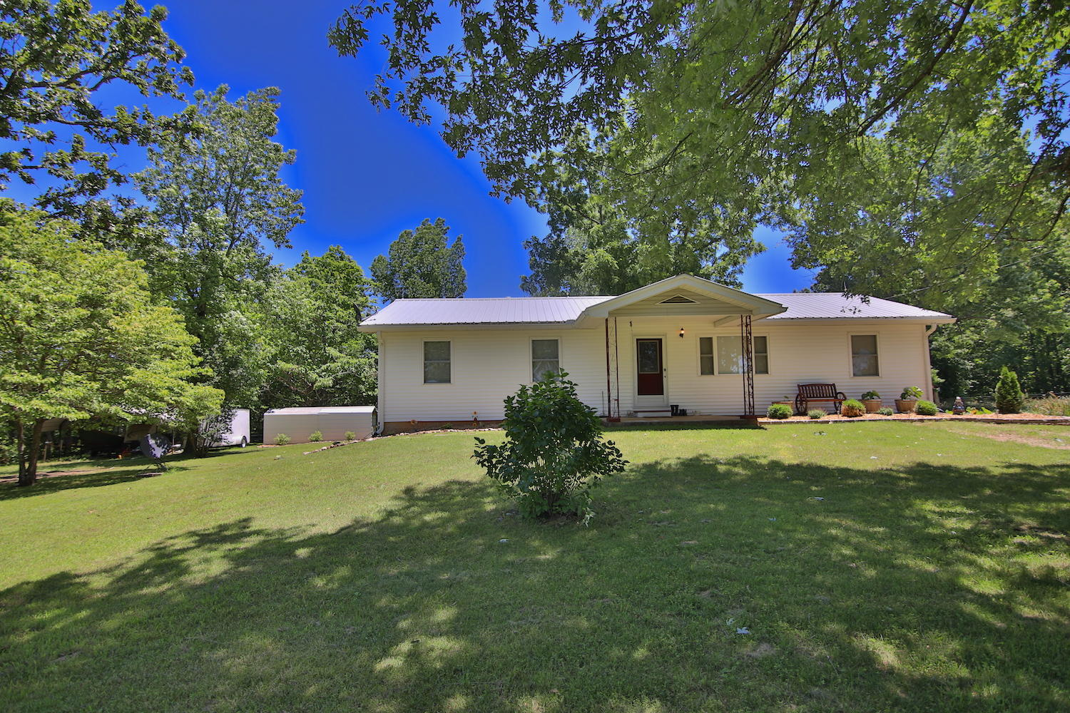 10 E County Road Alton, MO 65606