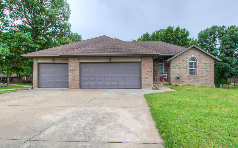 100 Pebble Creek Lane Willard, MO 65781