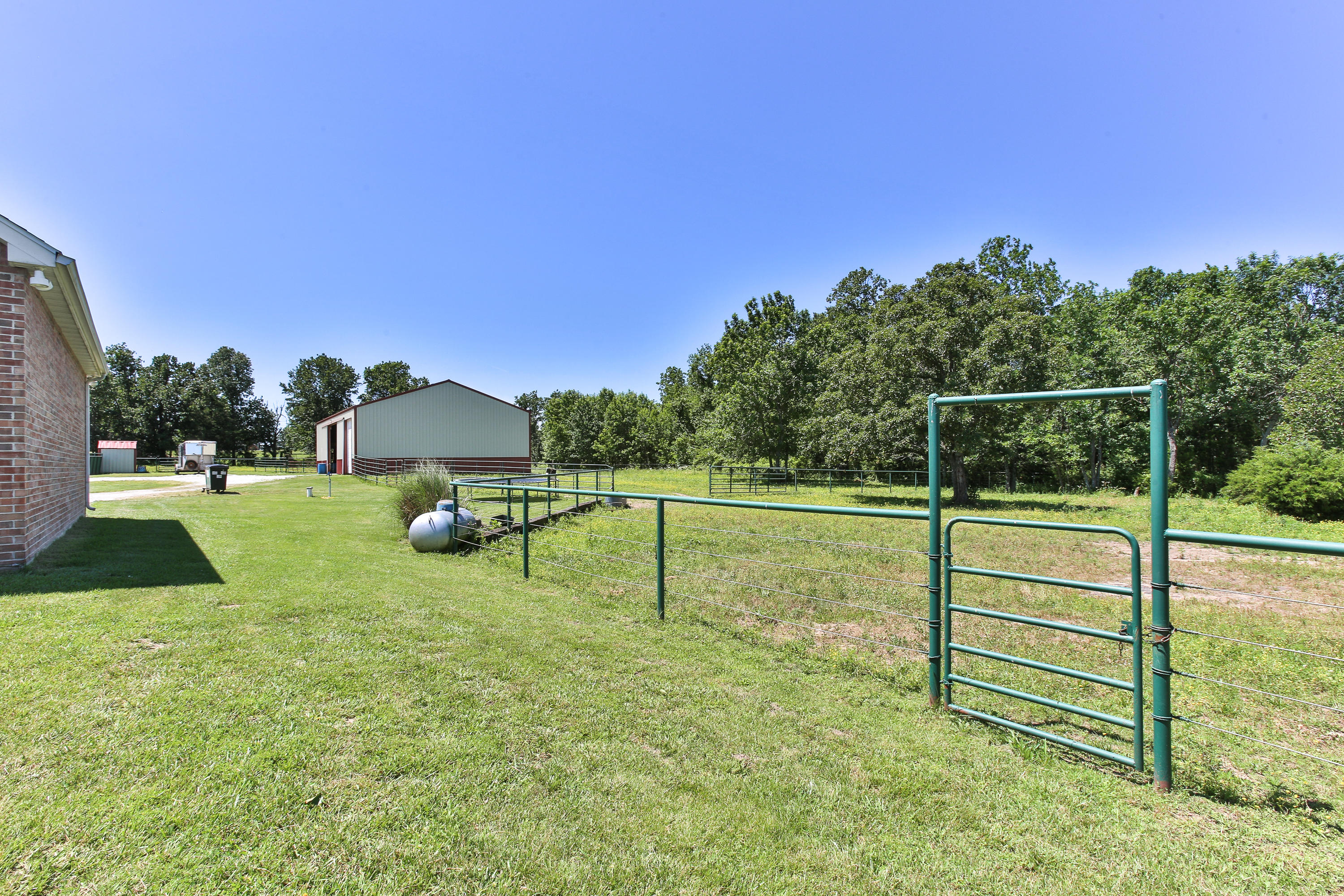 4399 South 165th Road Bolivar, MO 65613