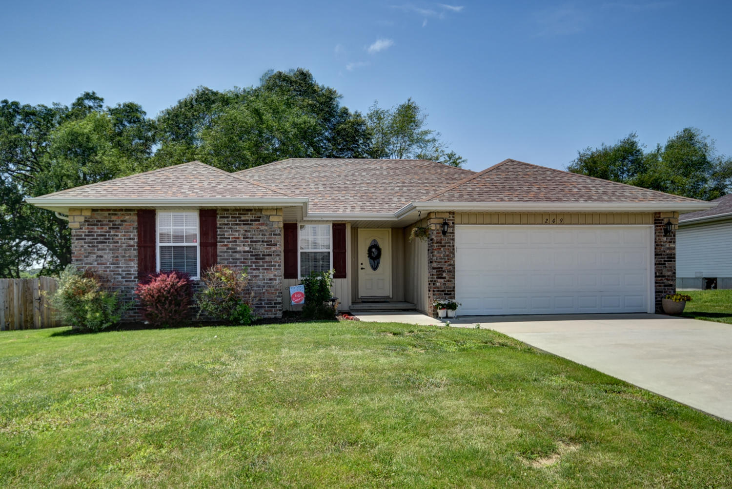 209 Dixie Avenue Clever, MO 65631