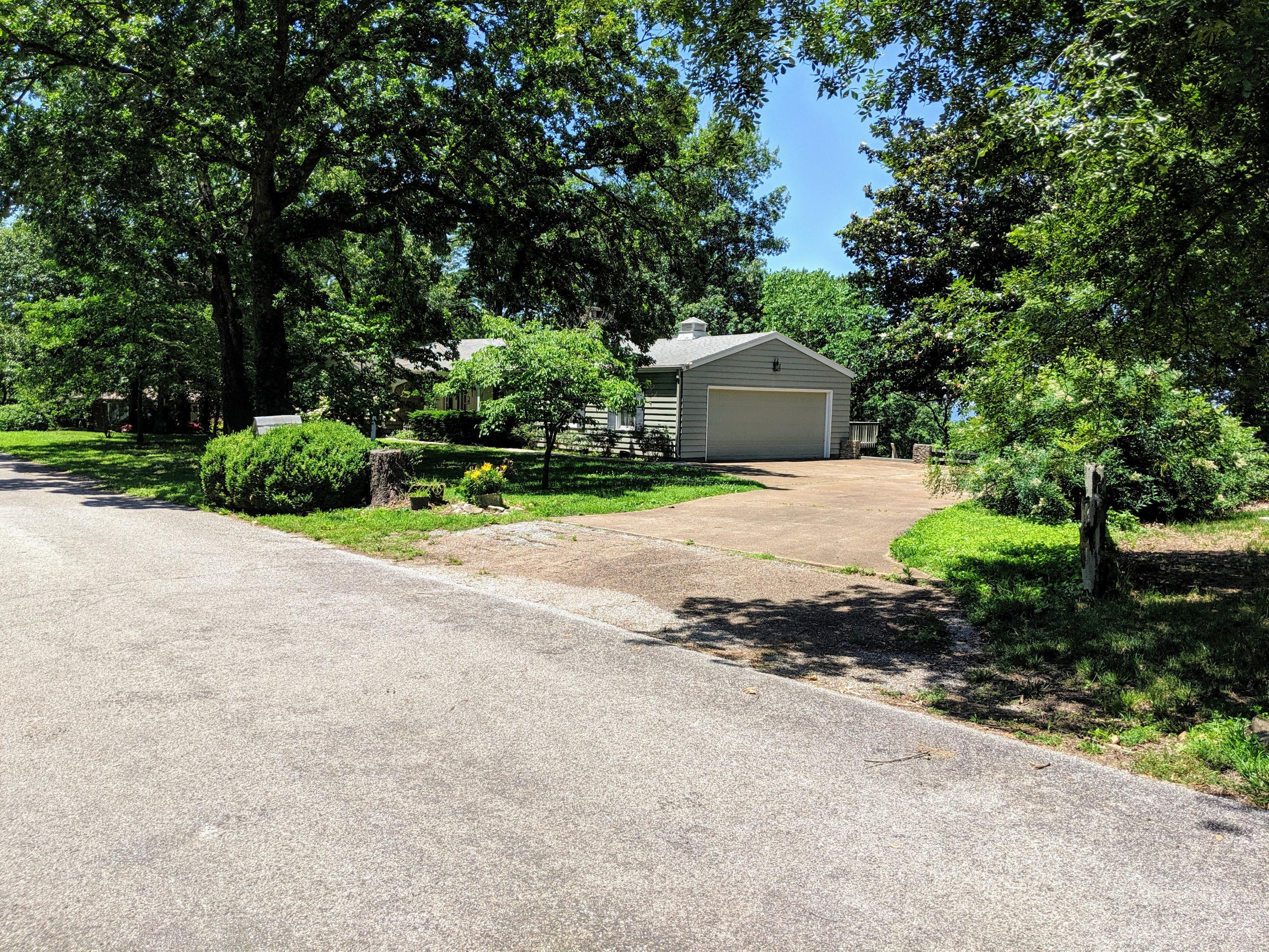 190 Blue Waters Ct. Hollister, MO 65672