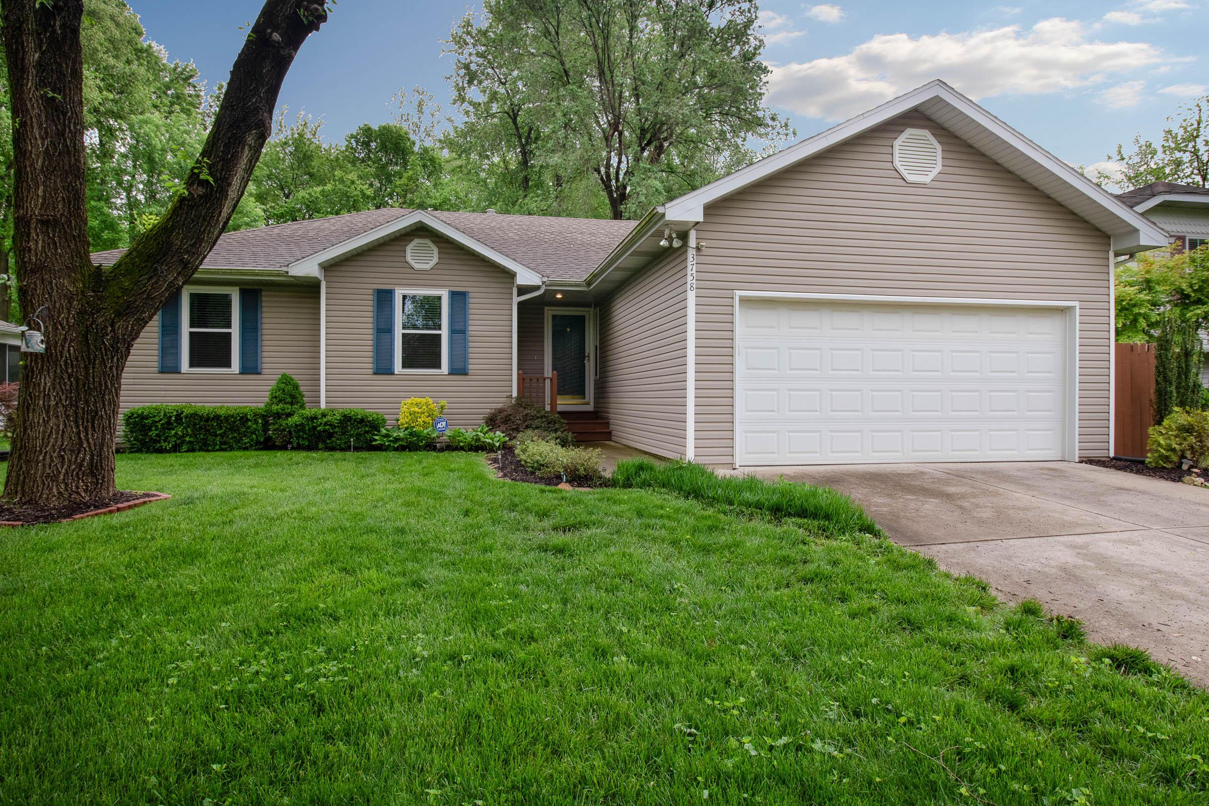 3758 South Oak Avenue Springfield, MO 65804