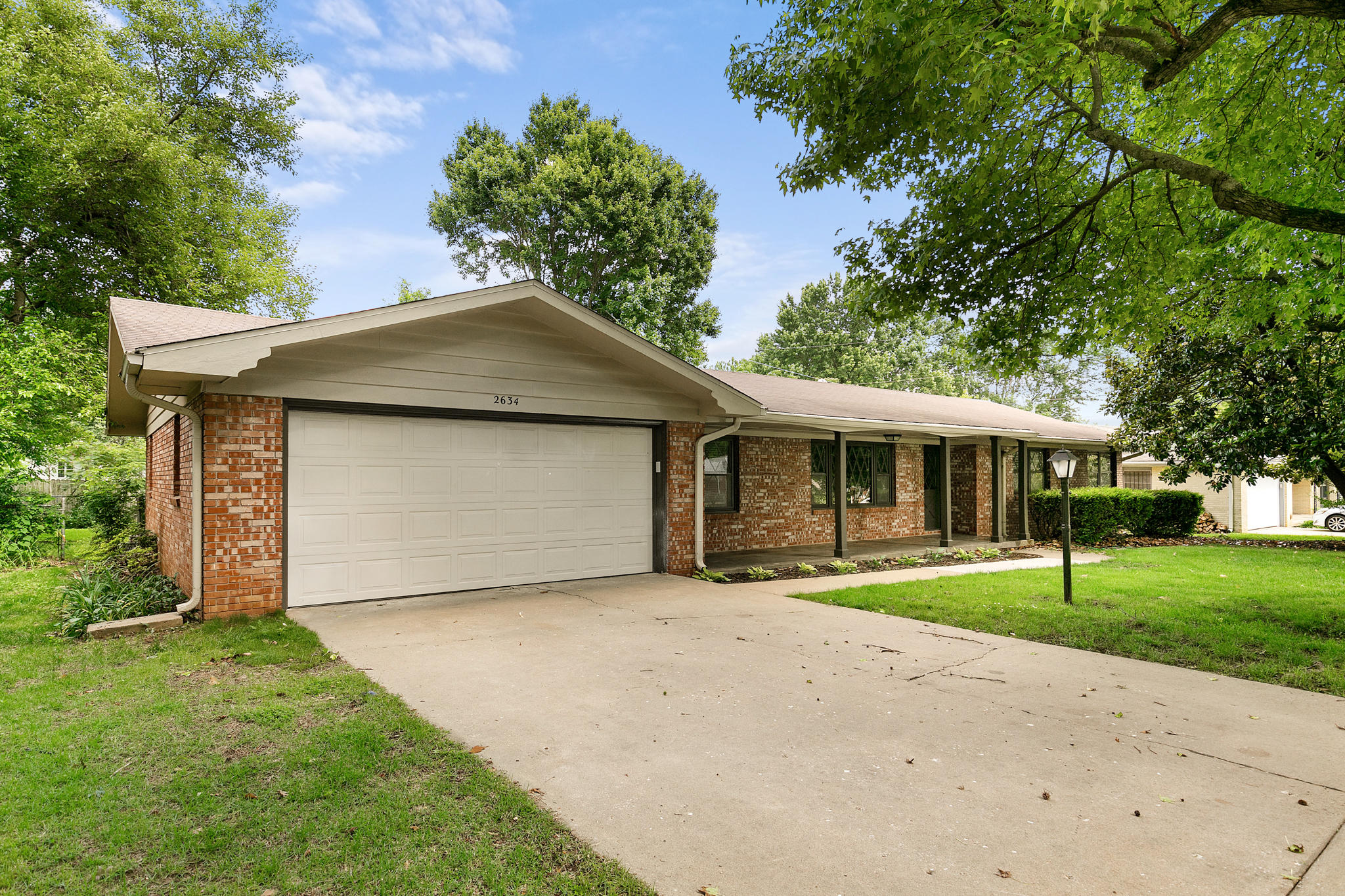 2634 South Inglewood Road Springfield, MO 65804