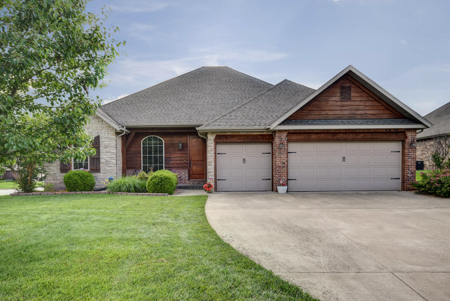 5823 South Winsor Drive Battlefield, MO 65619