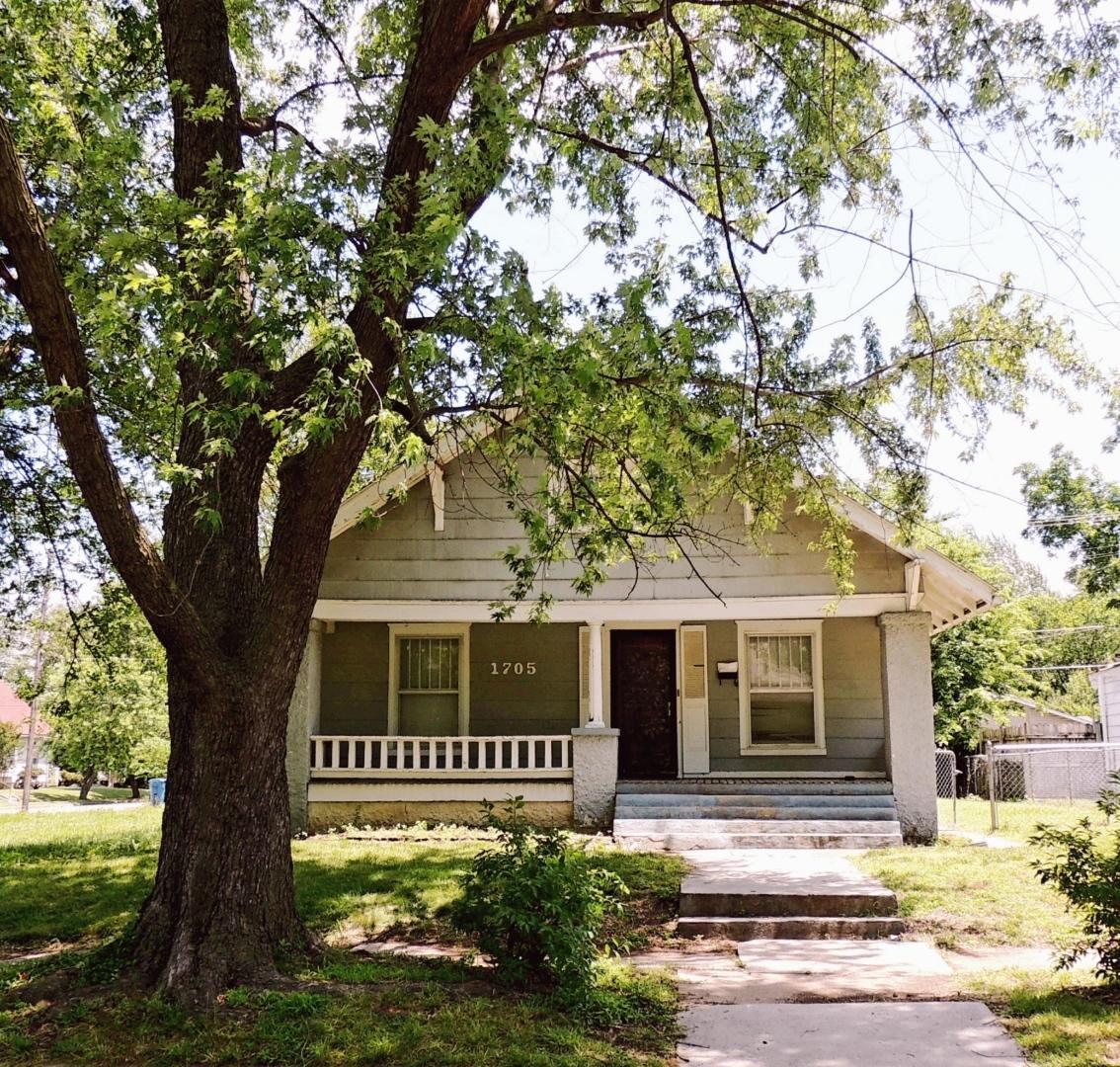 1705 South Bird Avenue Joplin, MO 64801