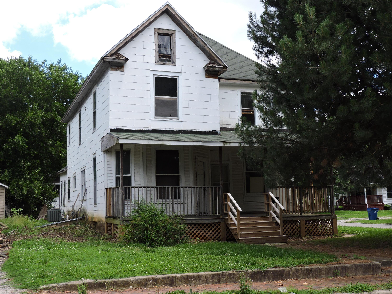 728 South Missouri Avenue Springfield, MO 65806