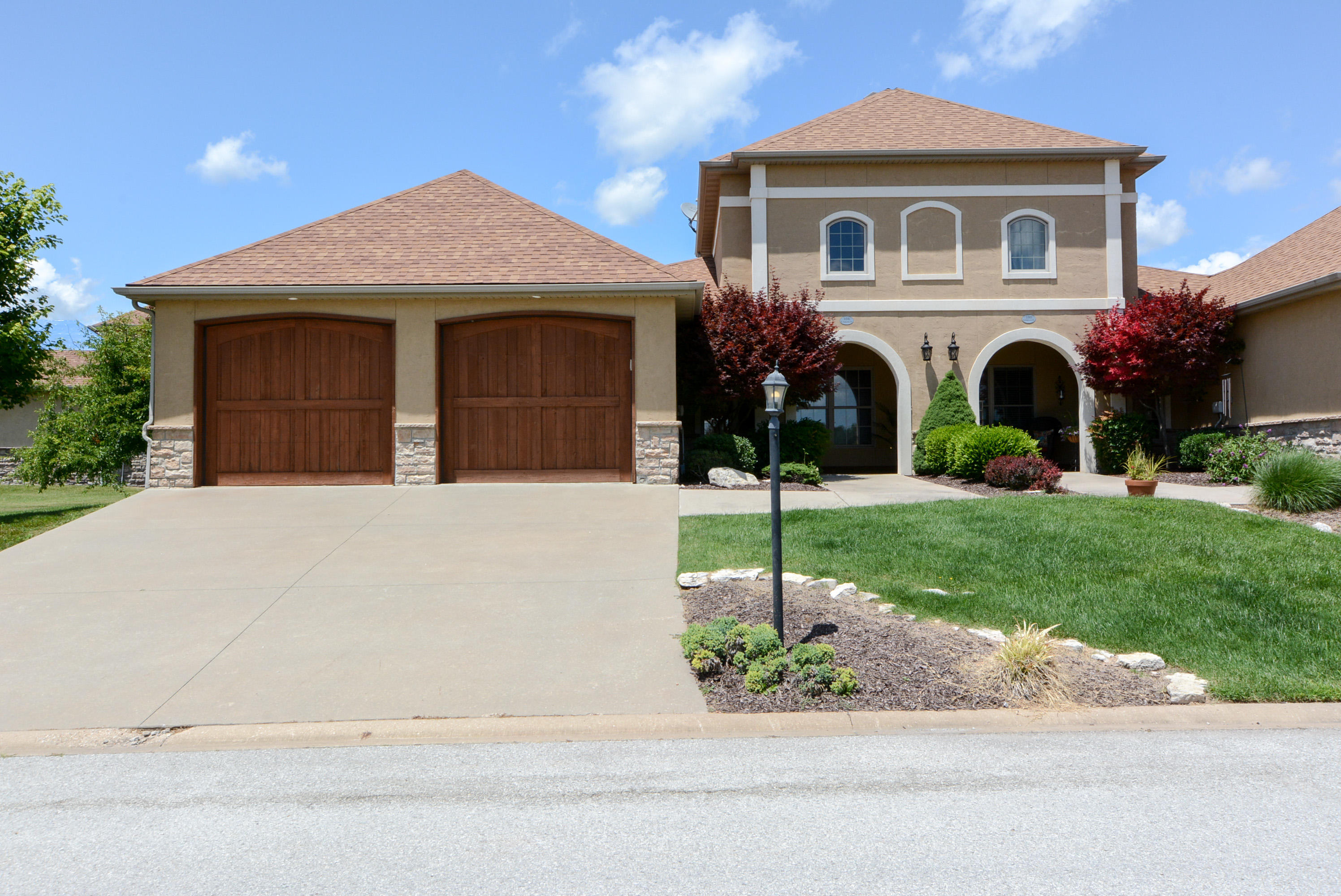 104 North Tuscany Drive #B Hollister, MO 65672