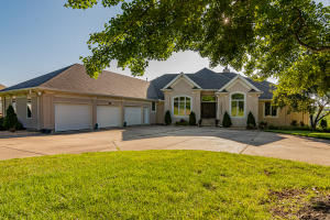 3895 East Pond Apple Drive, Springfield, MO 65809