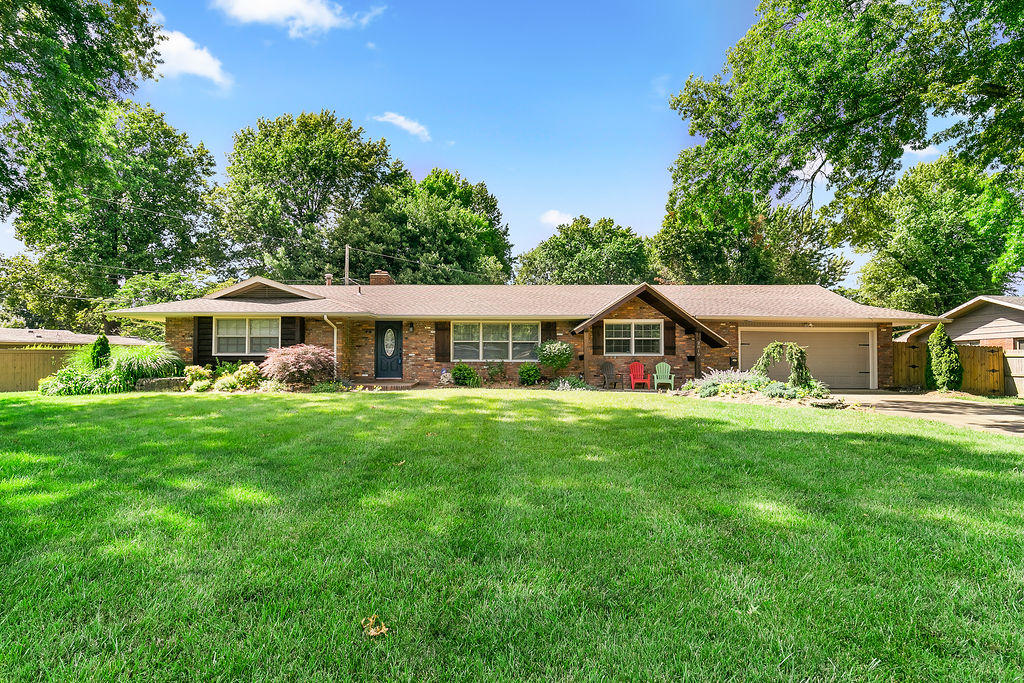 2819 East Southern Hills Boulevard Springfield, MO 65804