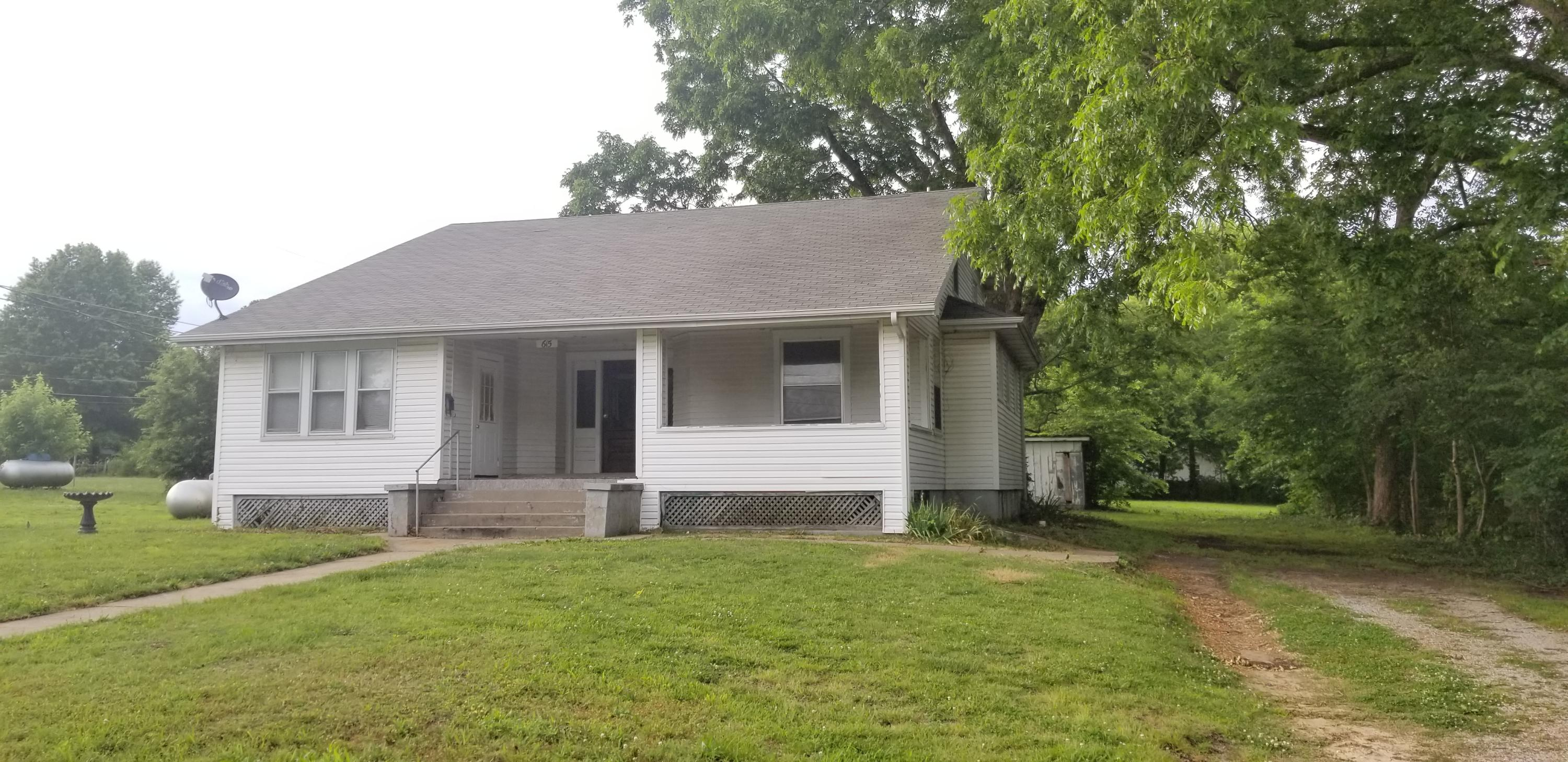 615 West Freeman Street Bolivar, MO 65613