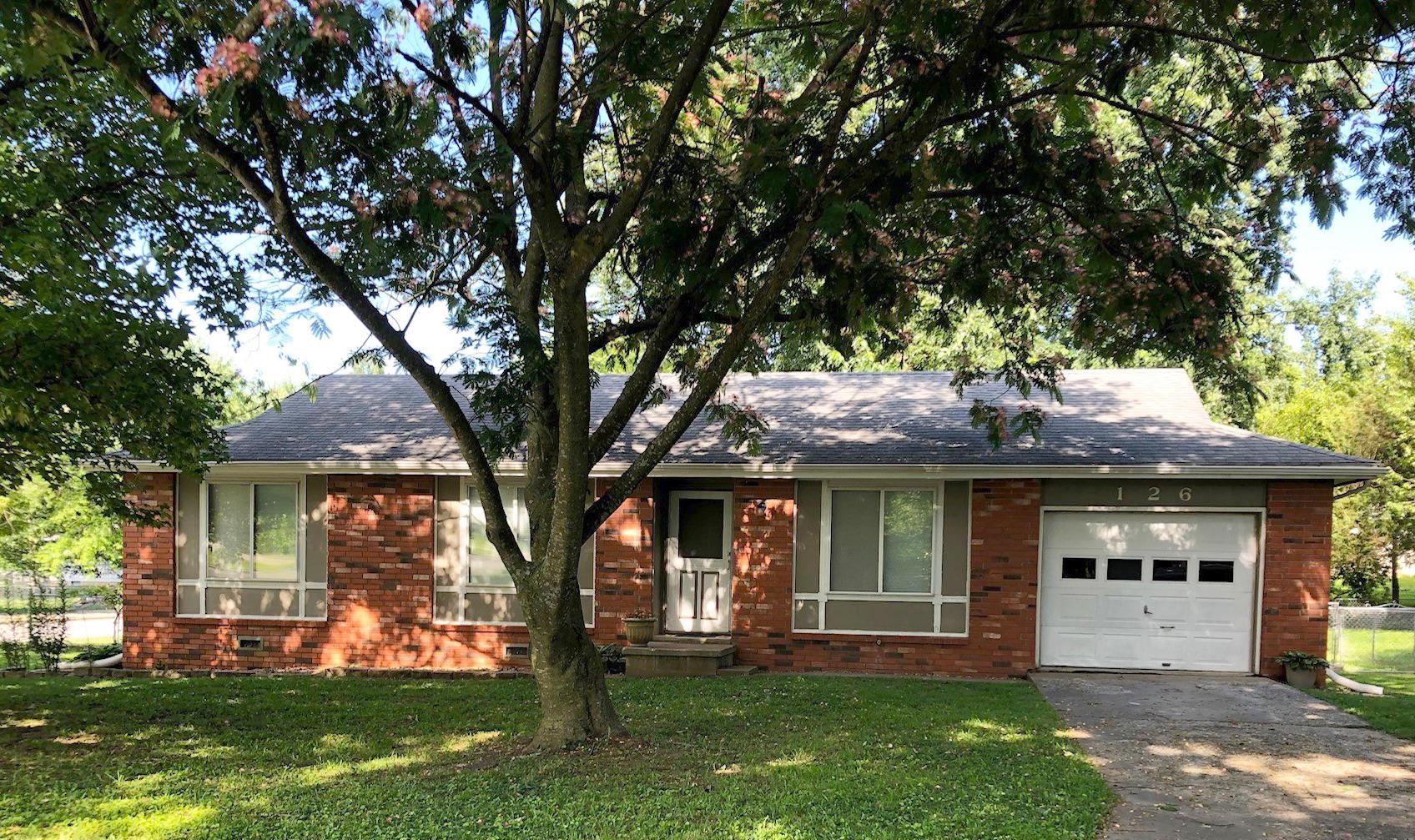 126 North Pinewood Avenue Republic, MO 65738