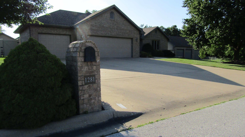 1281 South Meadow Lane Bolivar, MO 65613