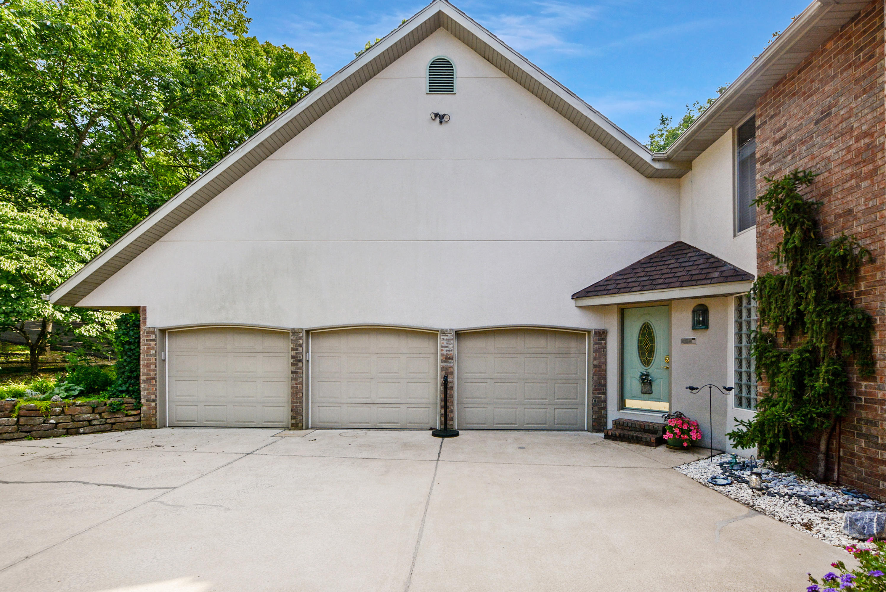 477 Oak Bluff Road Branson, MO 65616