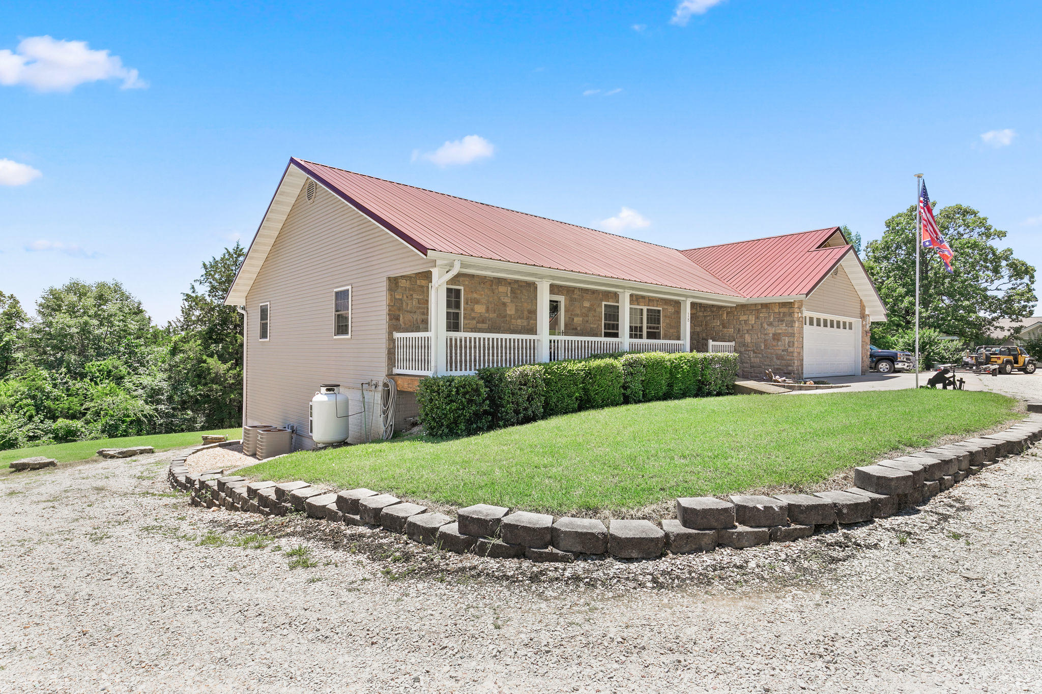 18 Wards Place Branson West, MO 65737