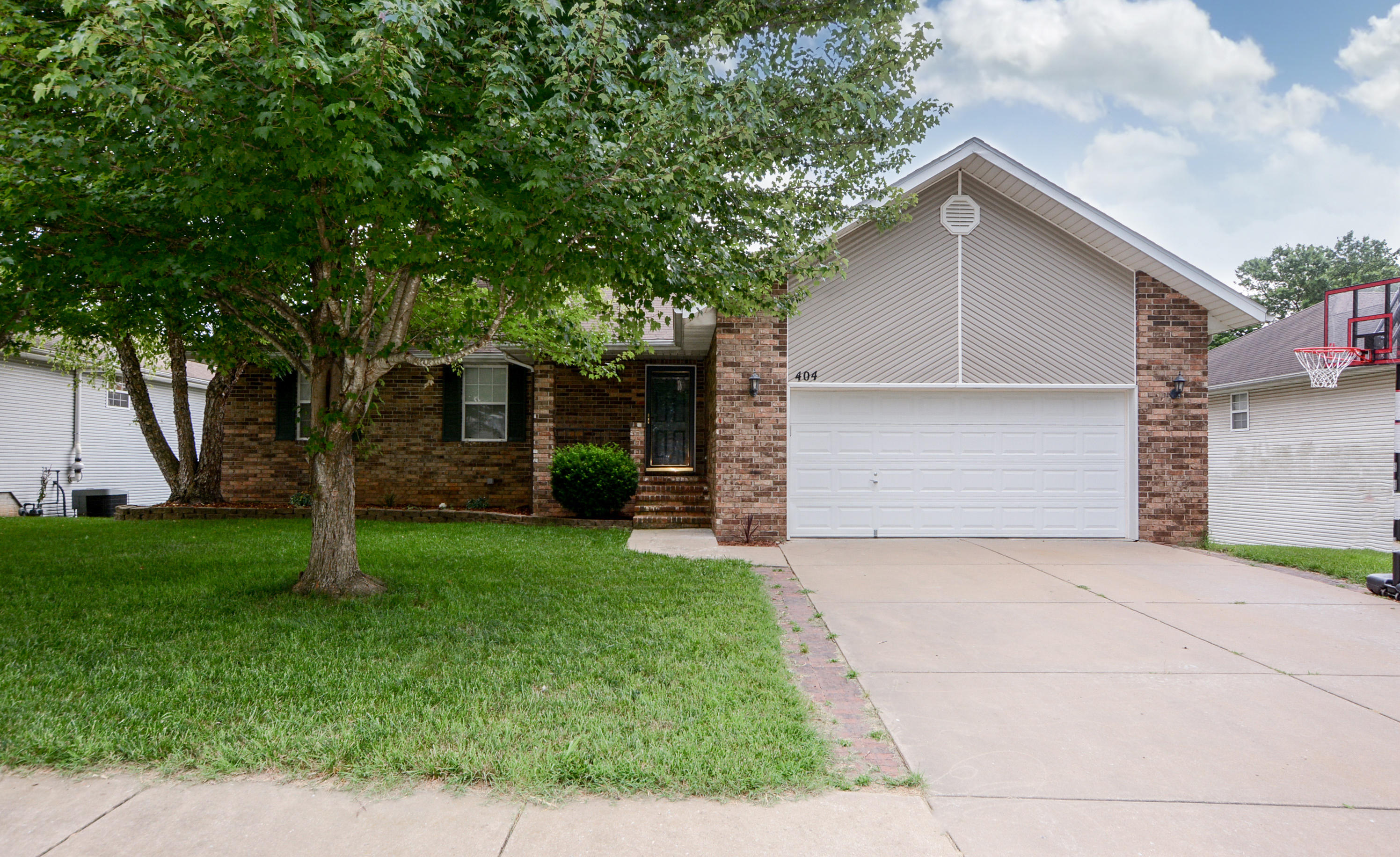 404 South Southgate Drive Nixa, MO 65714
