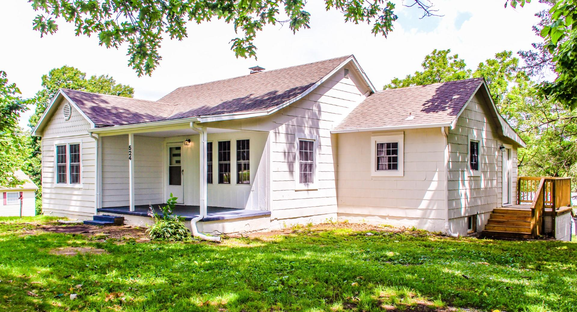 524 East Daugherty Neosho, MO 64850