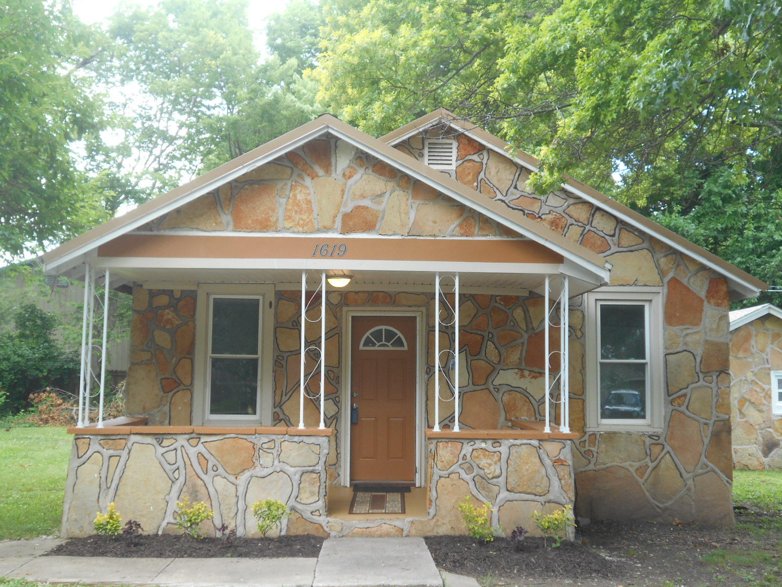 1619 North Marlan Avenue Springfield, MO 65803
