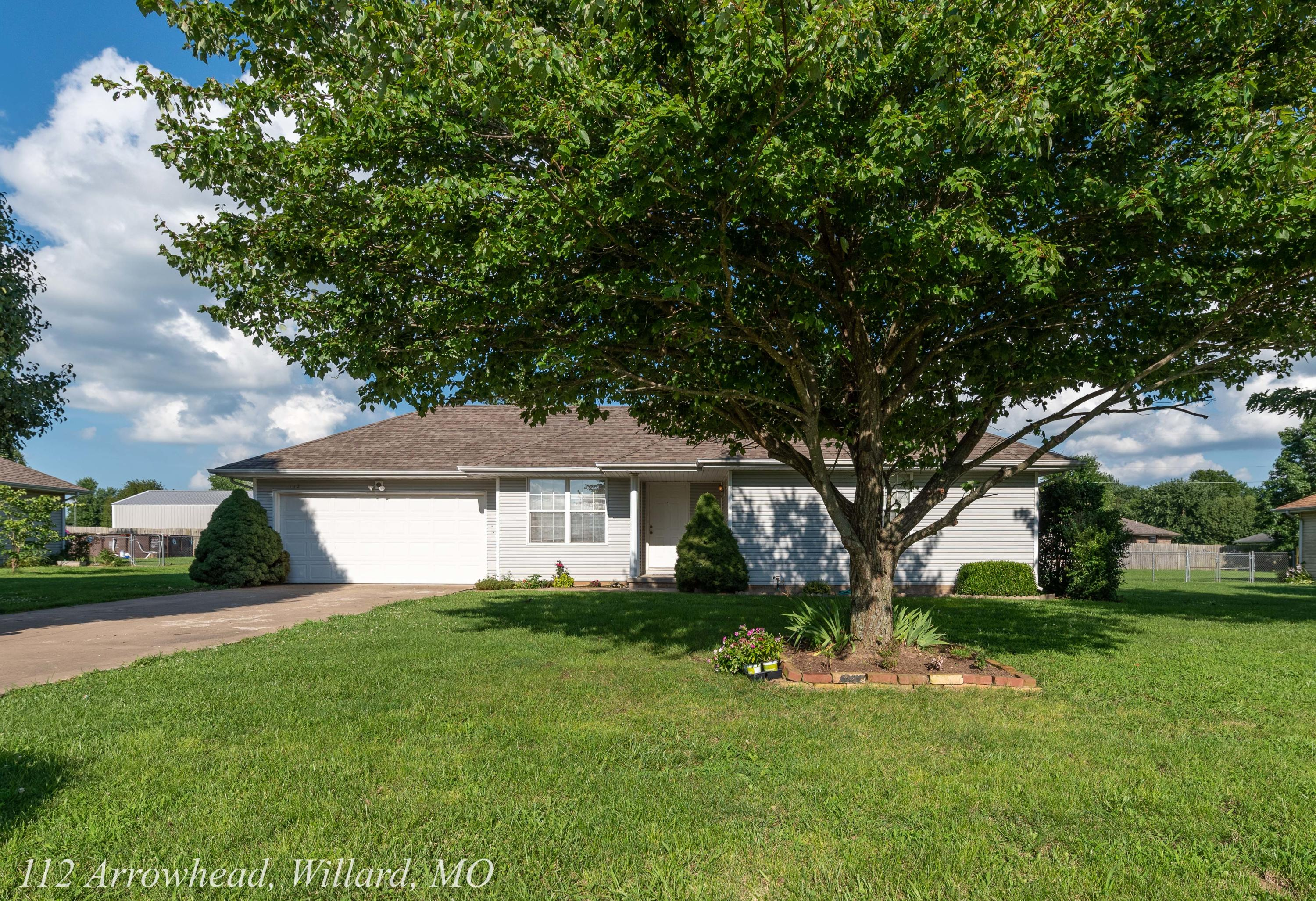 112 Arrowhead Road Willard, MO 65781