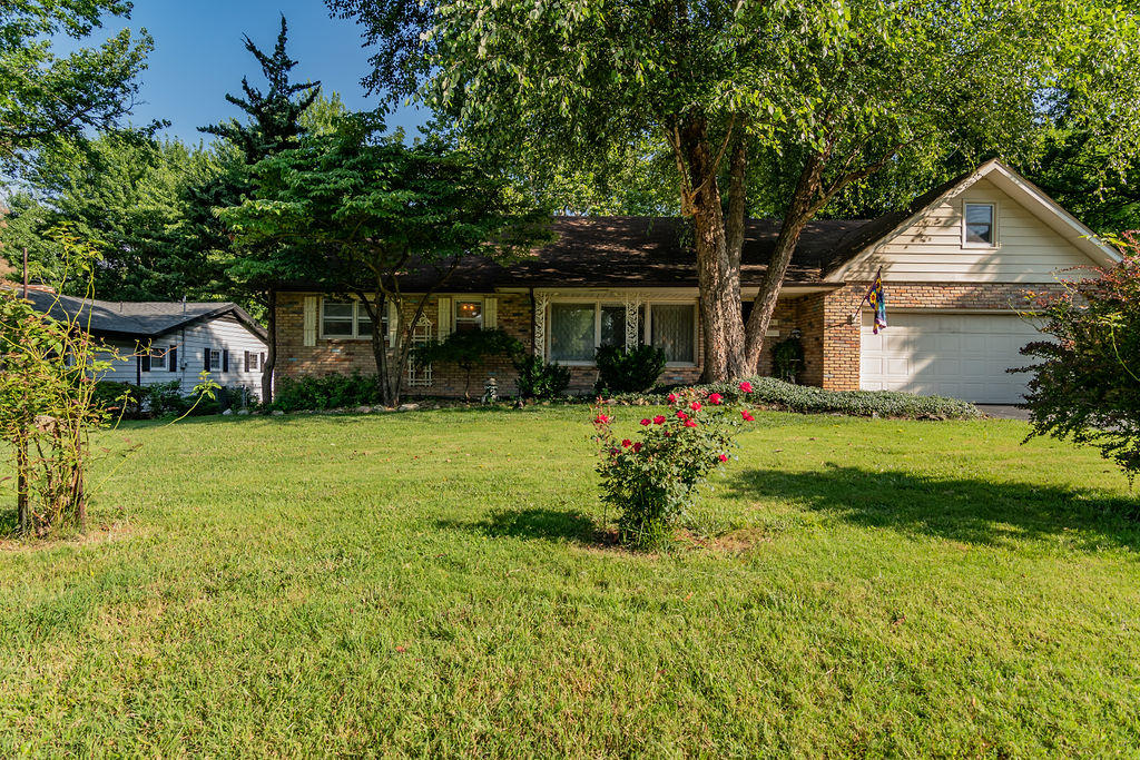 3253 East Southern Hills Boulevard Springfield, MO 65804