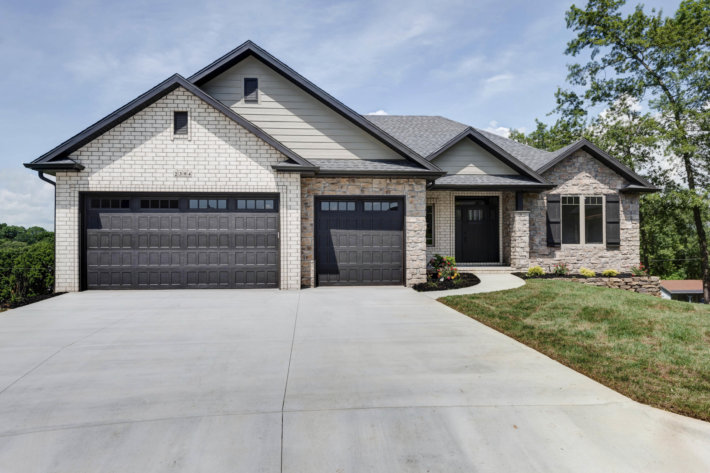 2394 West Darby Street Springfield, MO 65810