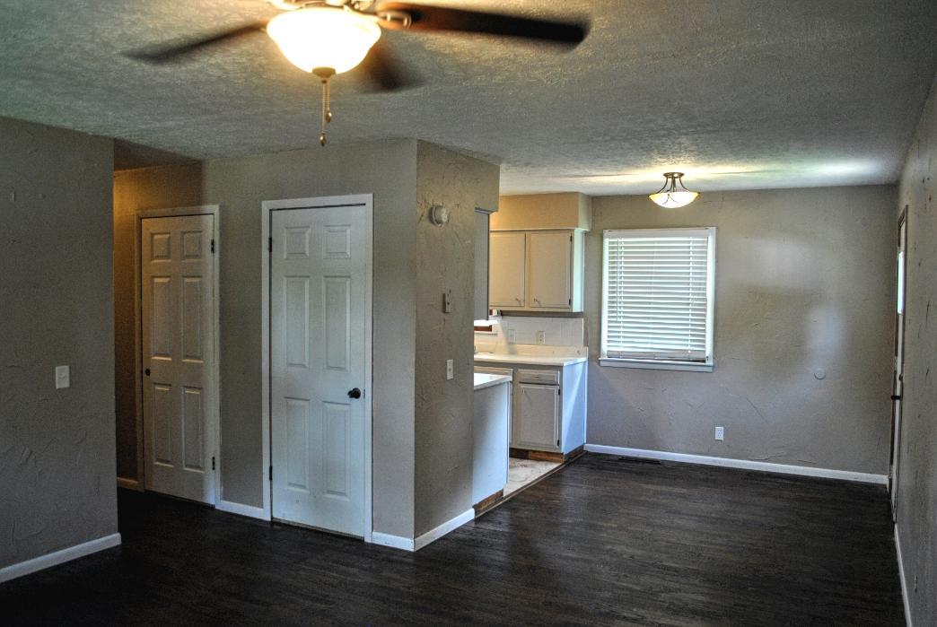 430 North White Oak Street Marshfield, MO 65706