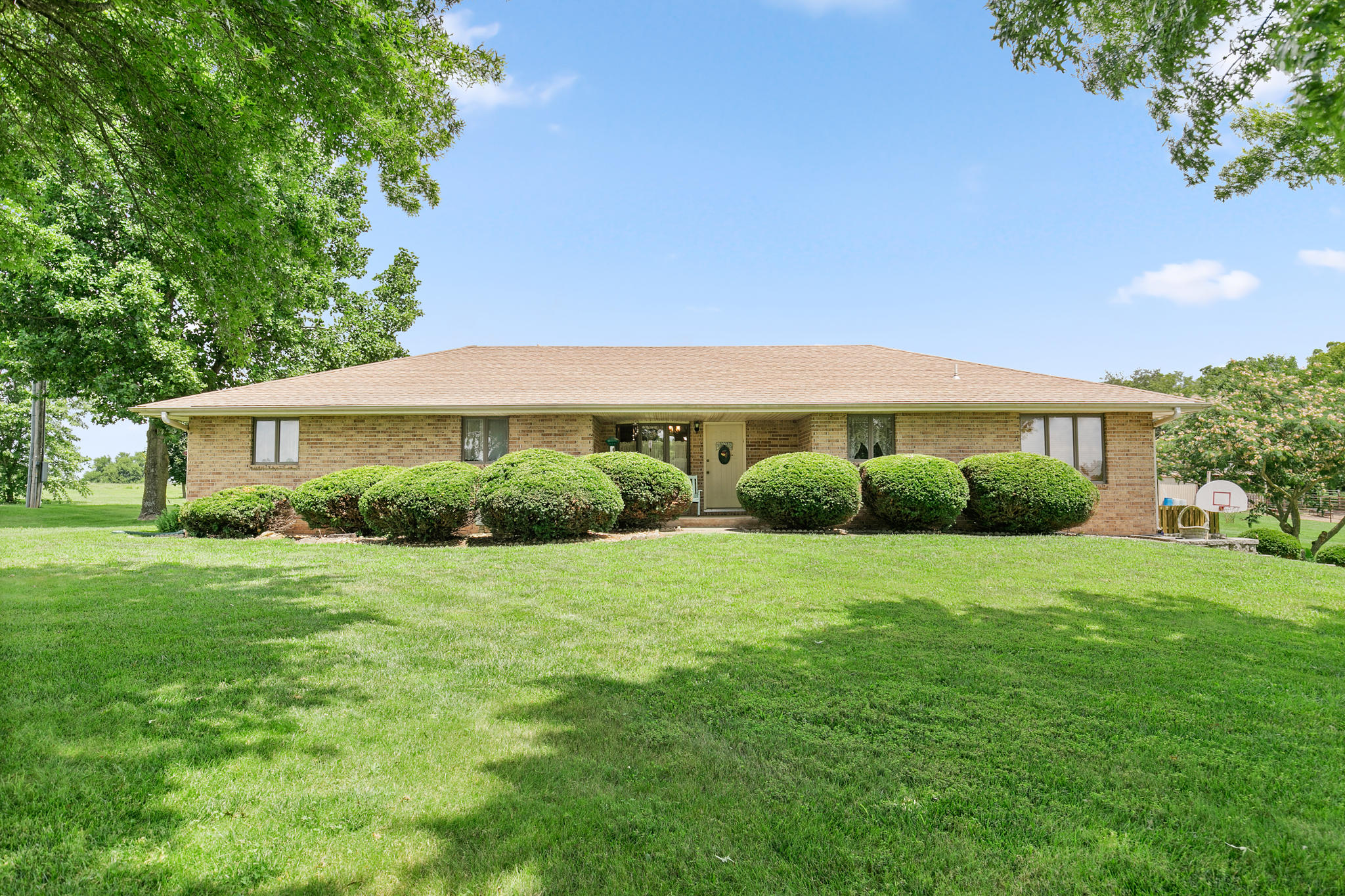 6727 West Farm Road Republic, MO 65738