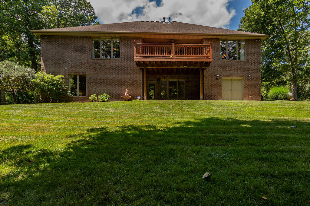 2046 West Stonegate Lane Nixa, MO 65714