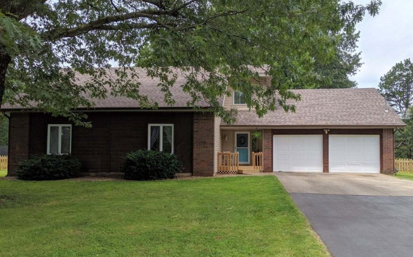 5127 North Crestwood Drive Springfield, MO 65803