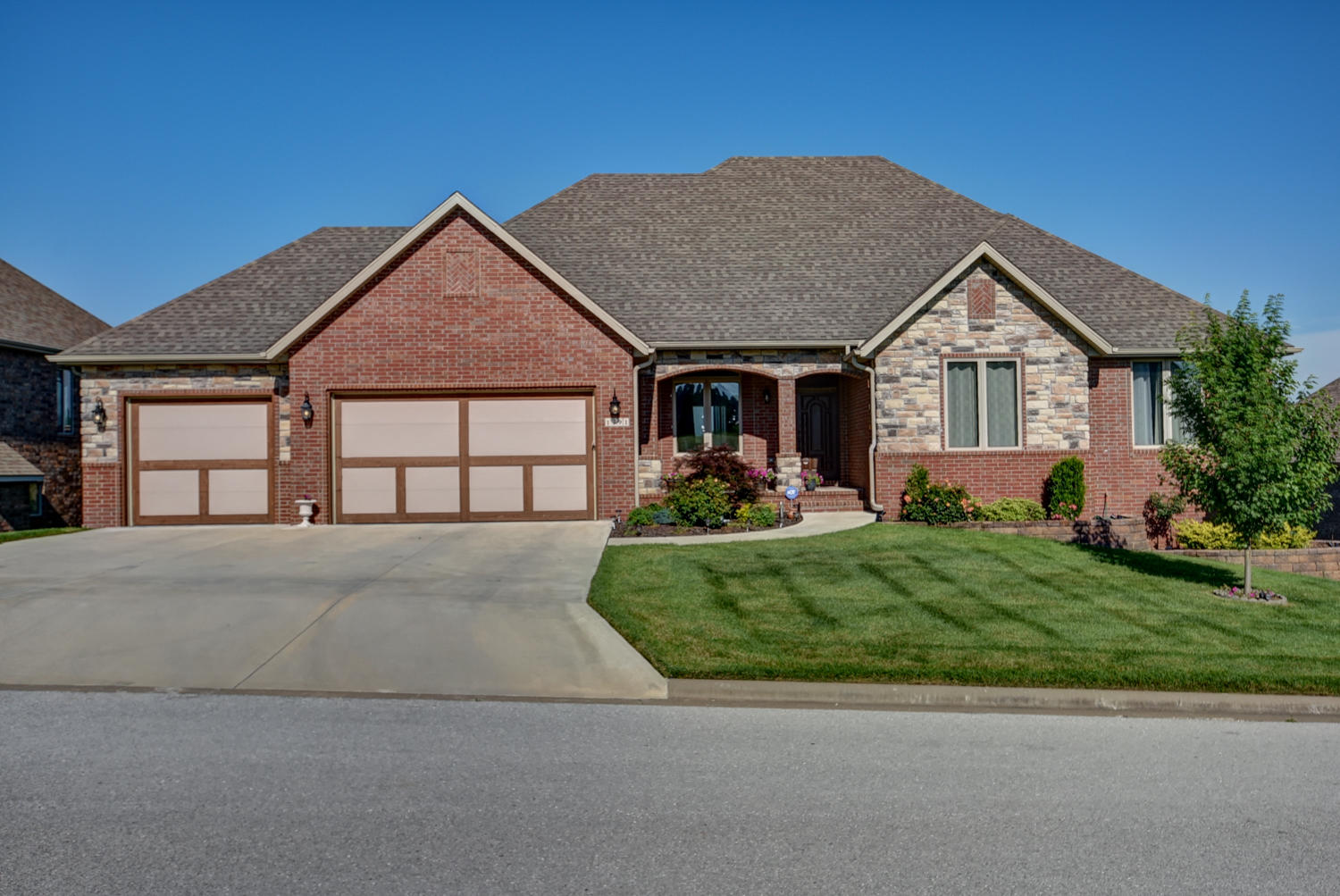 1291 South Amber Ridge Drive Nixa, MO 65714
