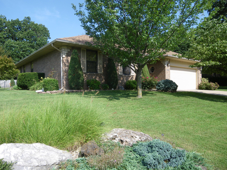 2051 South Glenn Avenue Springfield, MO 65807