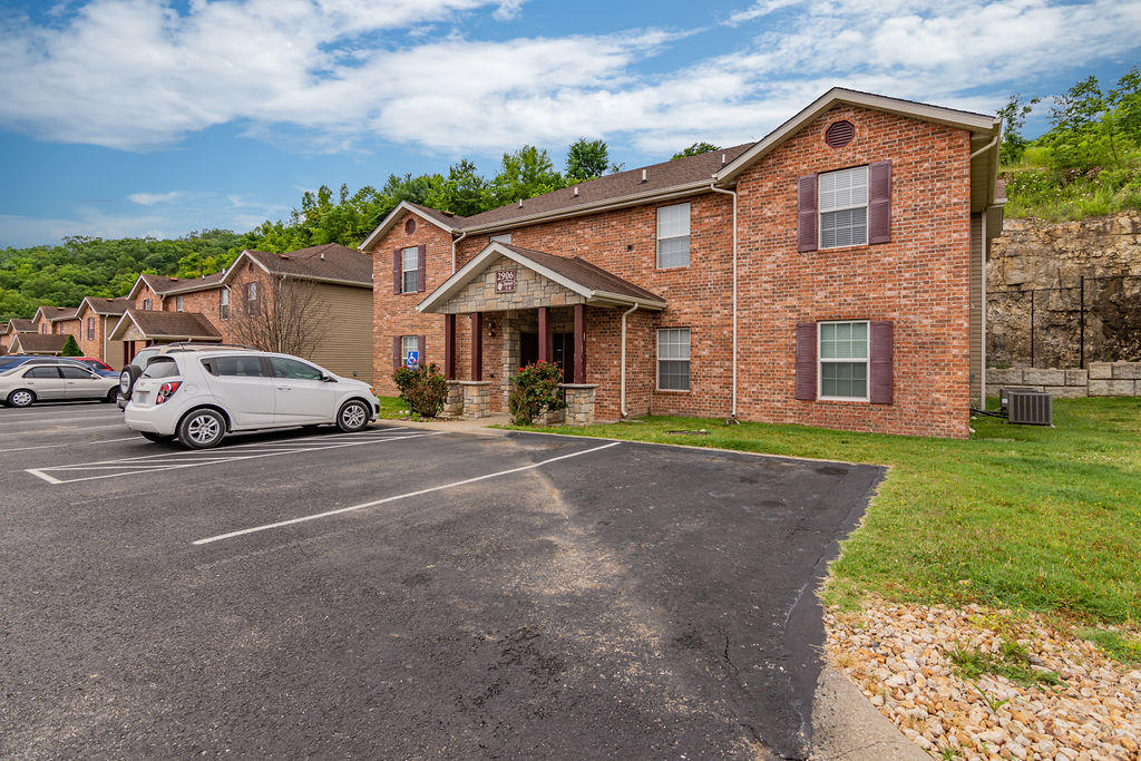 2953 Vineyards Parkway #1-4 Branson, MO 65616