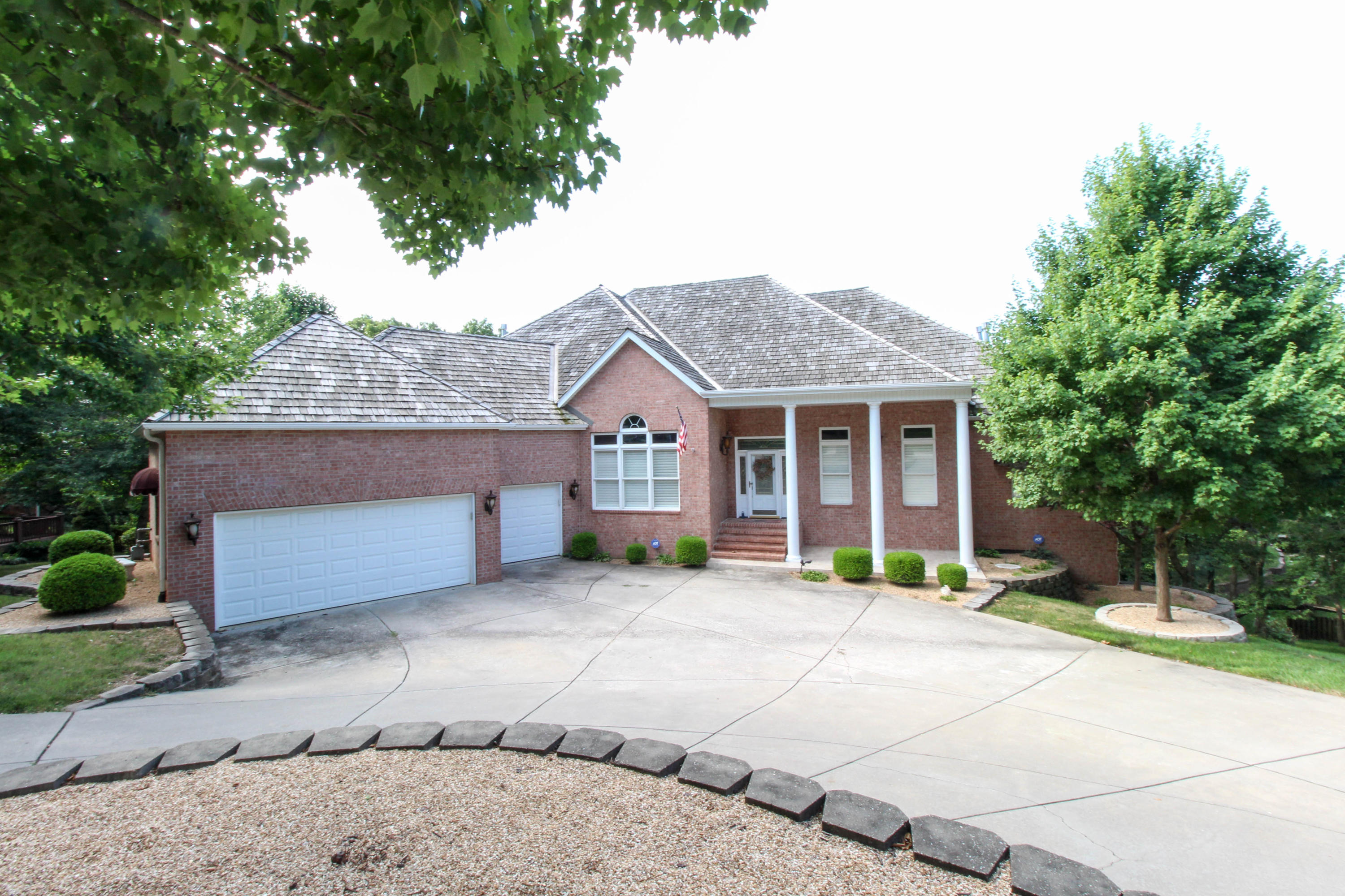 2130 East Norshire Street Springfield, MO 65804
