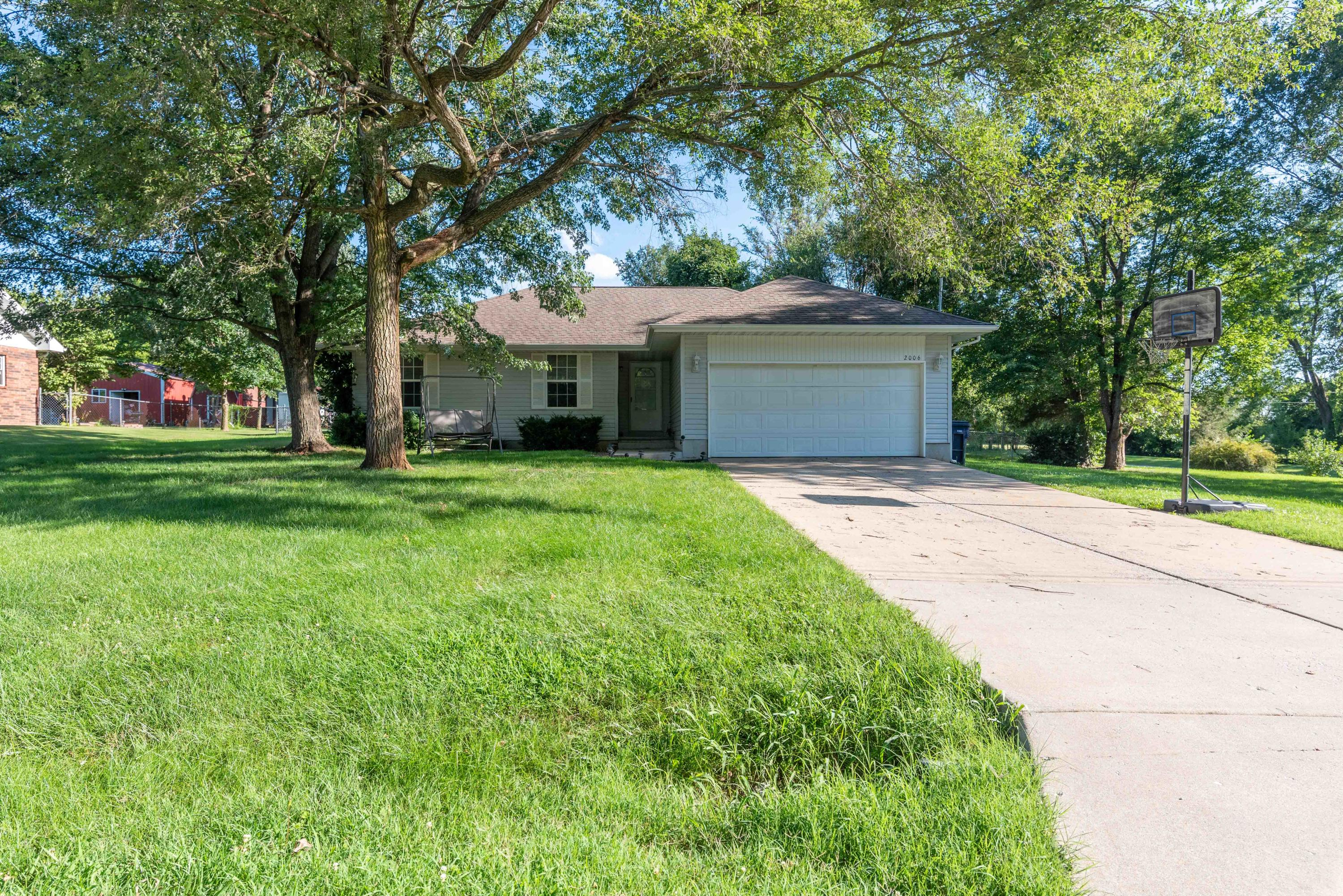 2006 West Sayer Drive Springfield, MO 65803