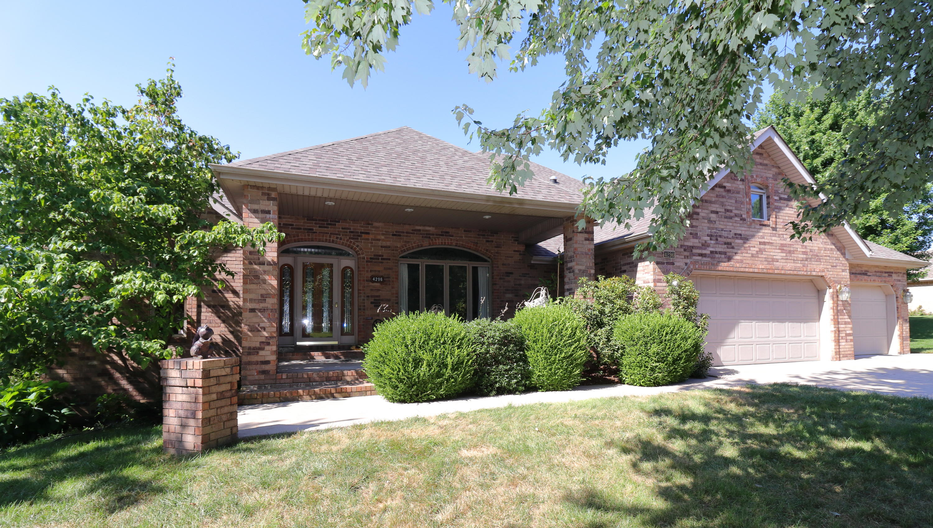 4296 East Crosswinds Place Springfield, MO 65809