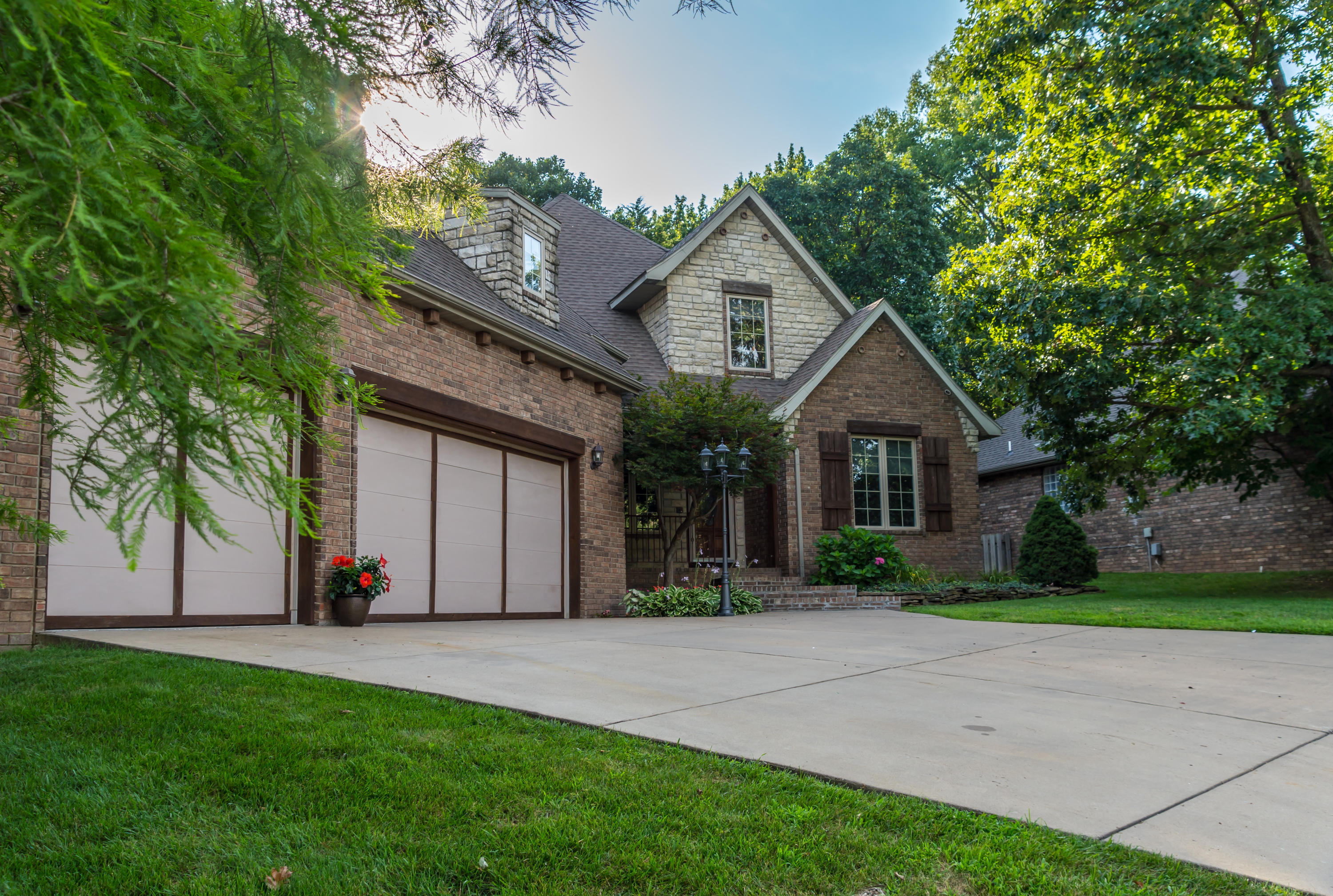 5177 South Nettleton Avenue Springfield, MO 65810
