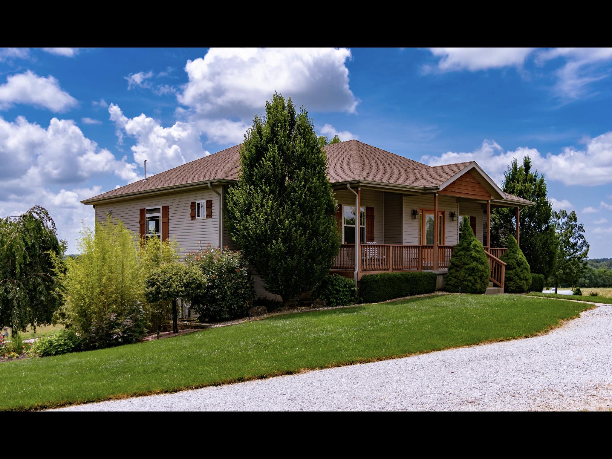 9942 West Farm Rd Walnut Grove, MO 65770