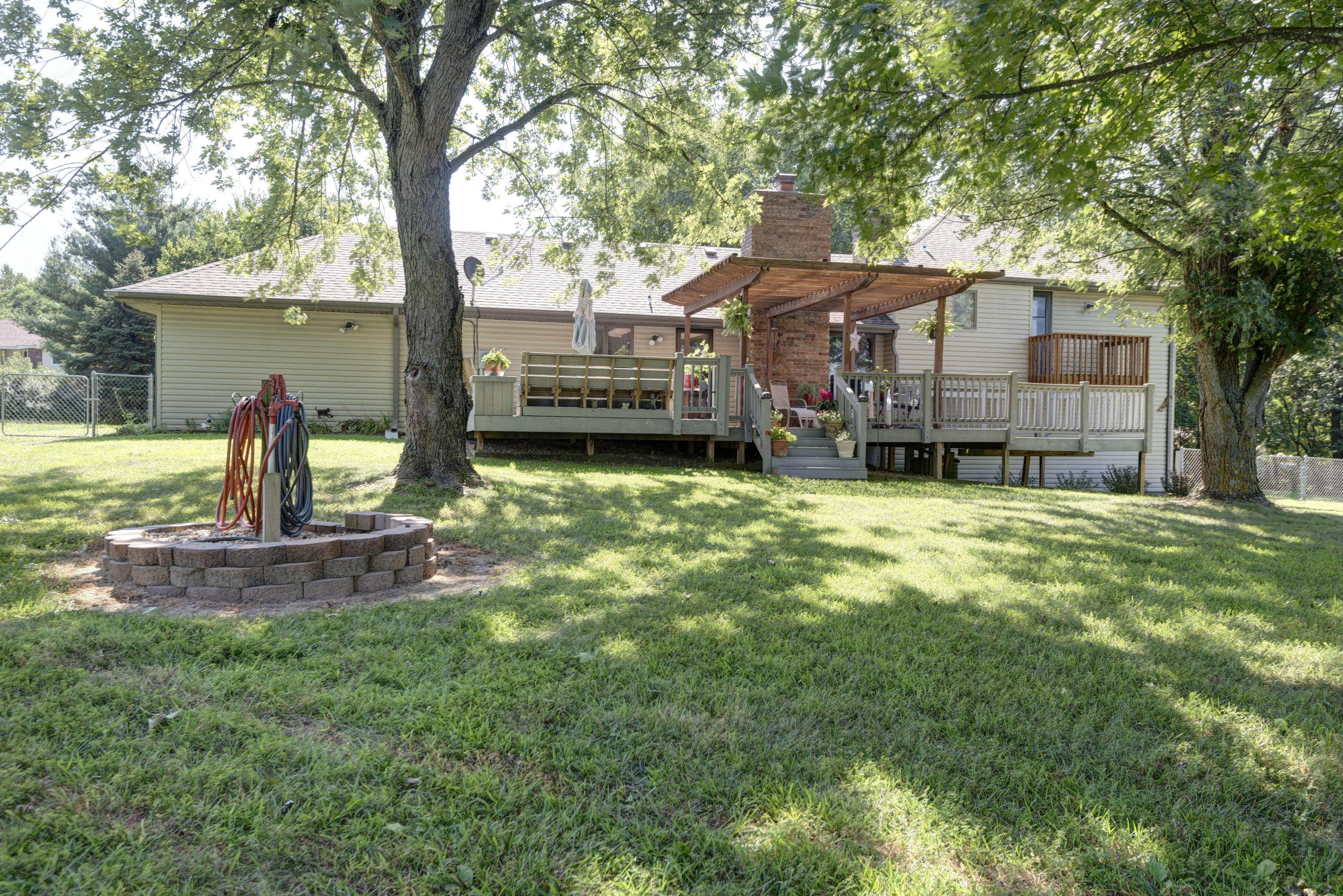 4133 South Tipperary Avenue Rogersville, MO 65742