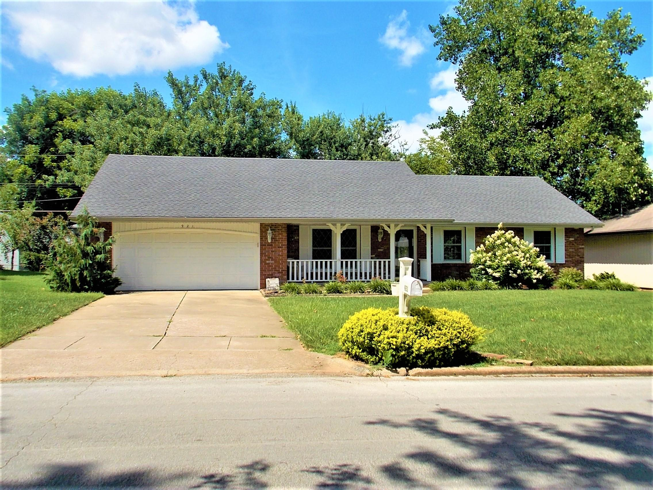 921 East Woodland Street Springfield, MO 65807