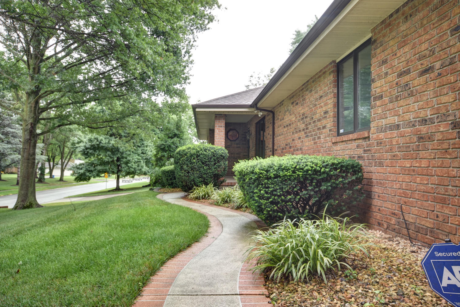 2505 South Catalina Avenue Springfield, MO 65804