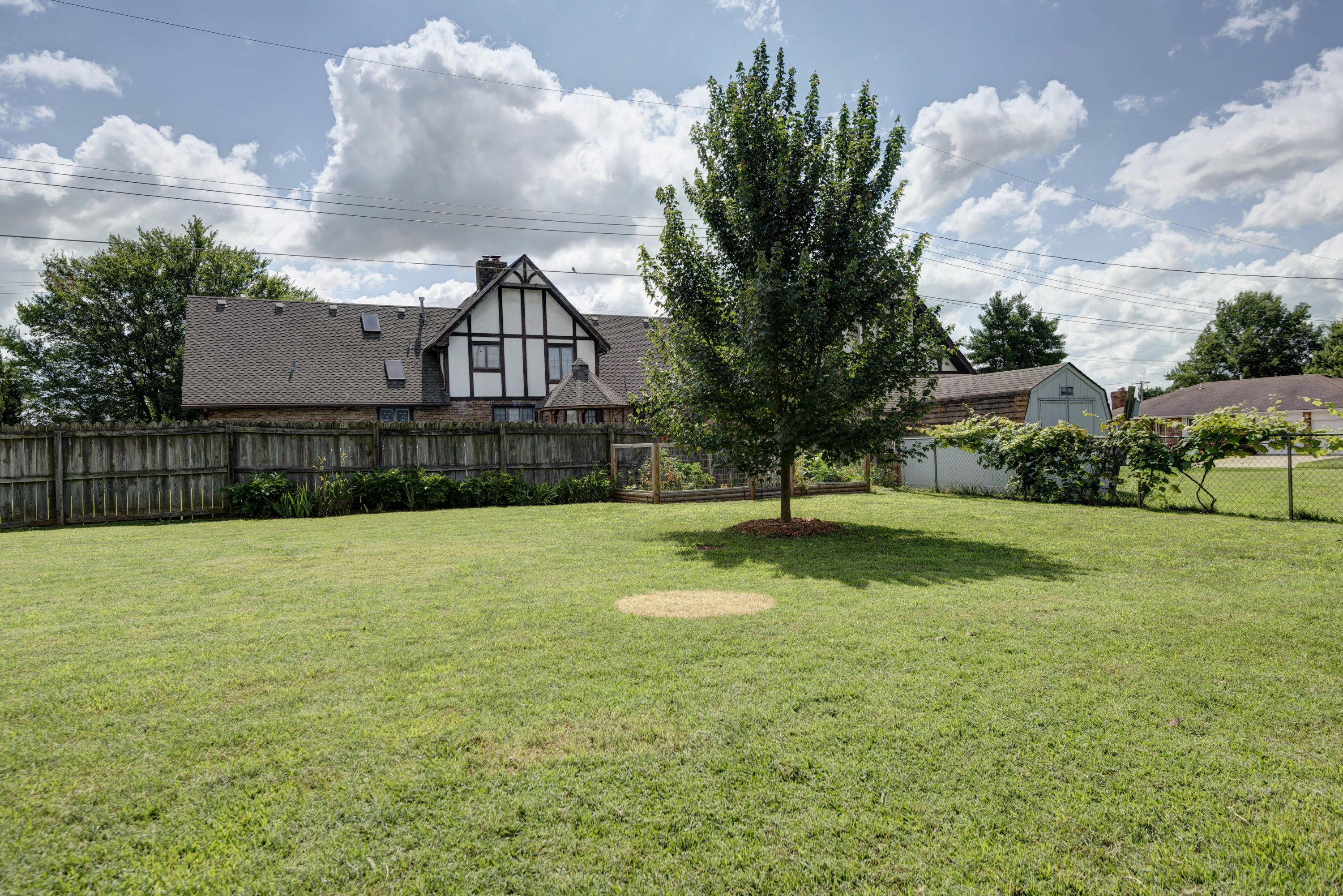 2320 South Manley Court Springfield, MO 65807