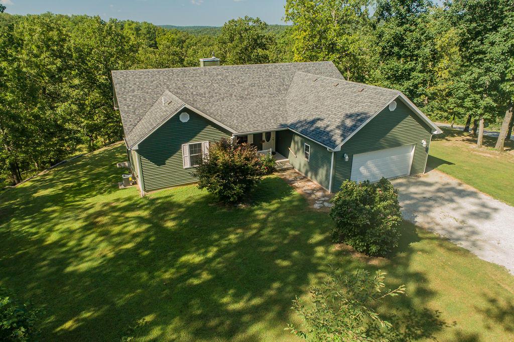 921 Lake Ranch Road Kissee Mills, MO 65680