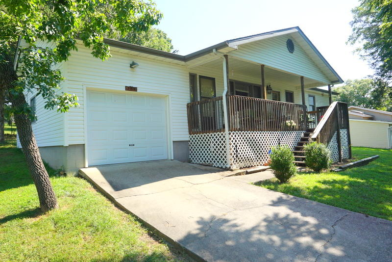 184 Dusty Lane Branson, MO 65616