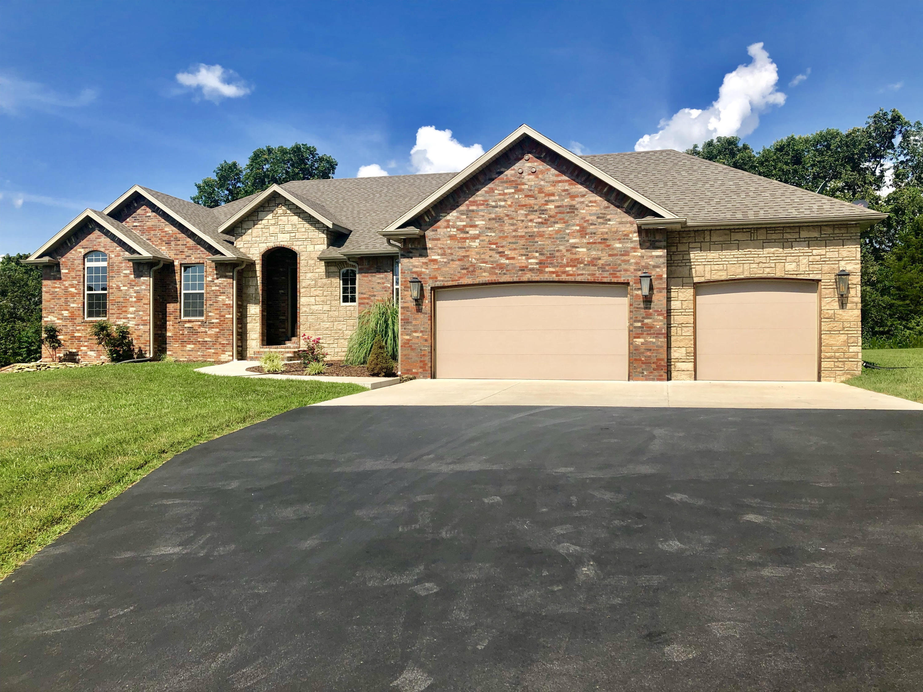 165 Sandy Forest Lane Clever, MO 65631